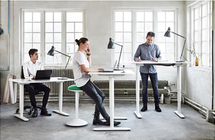 bekant-desk-sit-stand-white__0384121_PH125329_S4